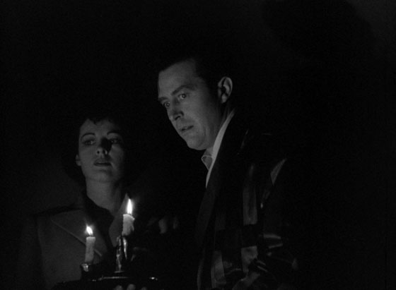 Siblings Pamela and Roderick Fitzgerald (Ruth Hussey and Ray Milland) investigate the supernatural disturbances in their new home.