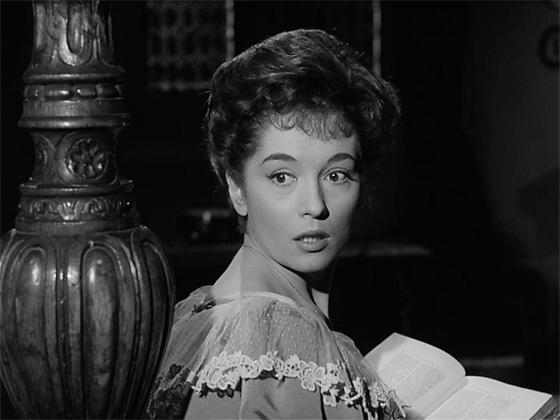 Hammer starlet Barbara Shelley as Elizabeth.