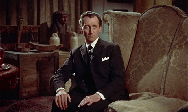 Peter Cushing as Egyptologist John Banning.