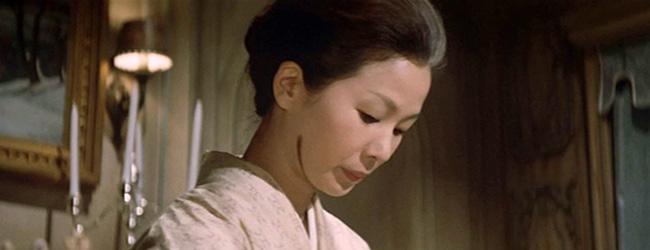 Mrs. Nonomura (Yoko Minakaze) and her mysterious scar.